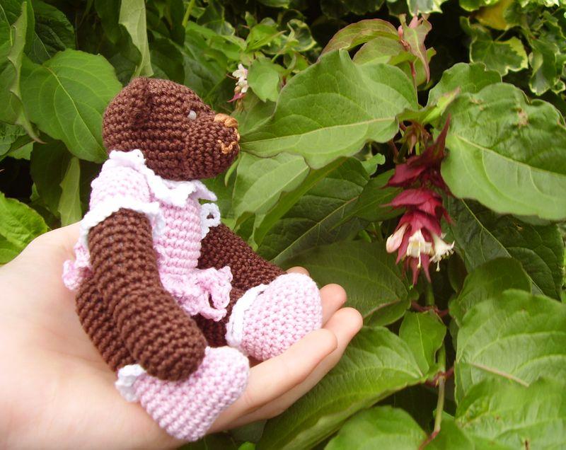 Crochet Bear in profile outside