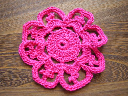 Crochet flower with picots