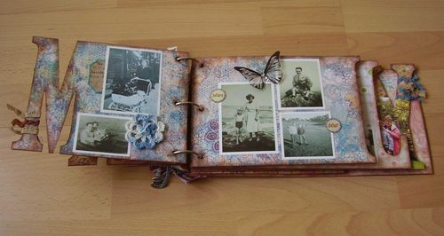 FAMILY mini book page M web
