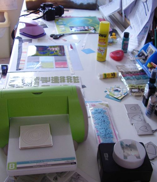 Shimelle crop party messy craft desk 15 08 2010 web
