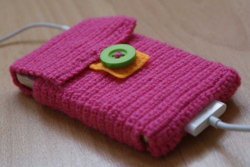 Crochet i pod case close up web