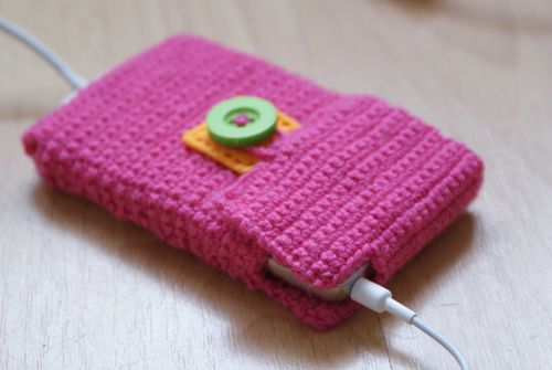 Crochet i pod case headphones opening web