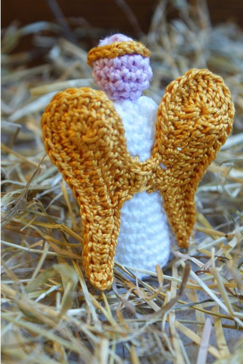 Andel crochet nativity figure wings web