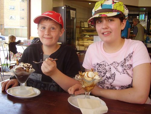 Ice cream sundae web