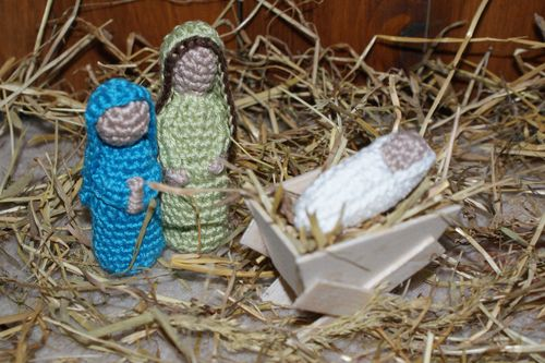 Crochet Joseph Mary and Baby Jesus web