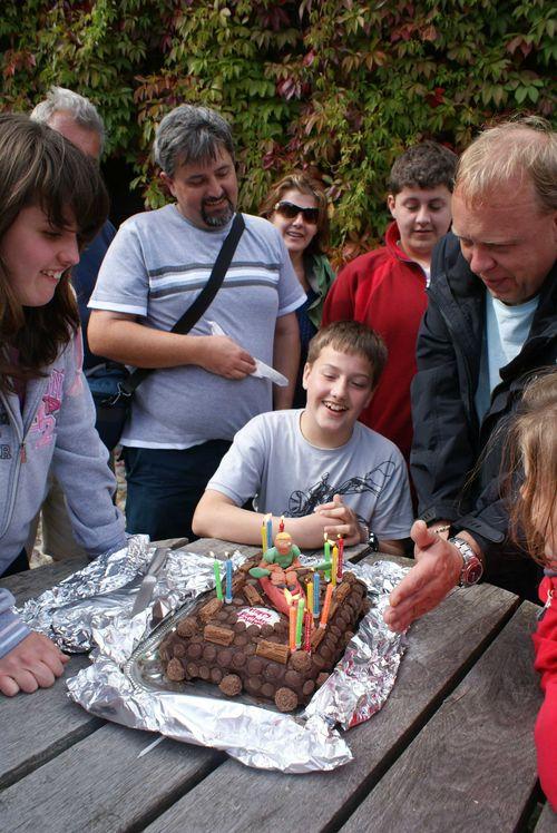 Canoe birthday cake web
