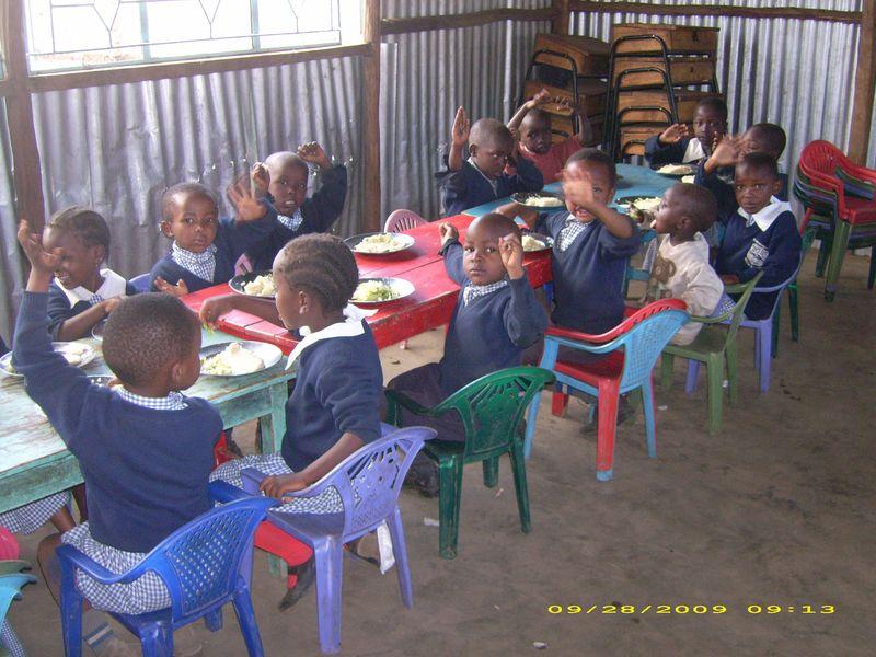 Mealtime at Nakuru School