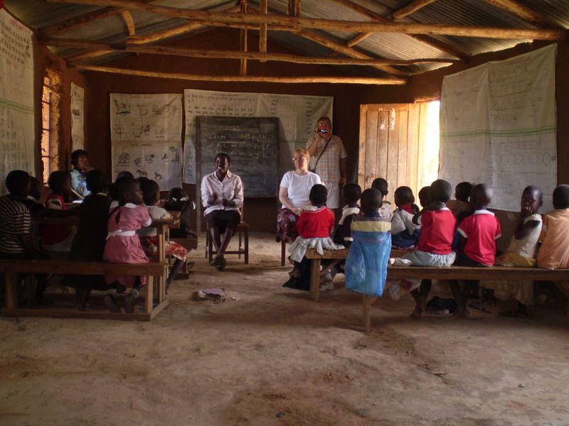 25 a Makutano church school Goldilocks story web