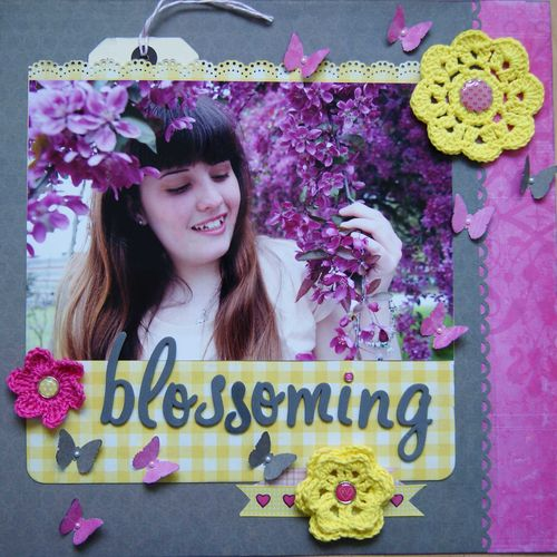 Blossoming LO Shimelle Challenge 4 web