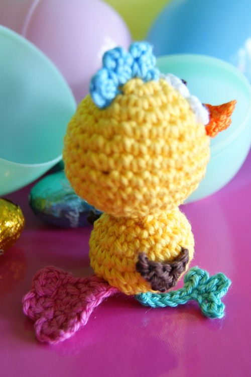 Amigurumi Crazy Chick tail view web