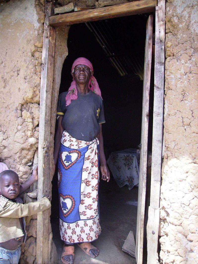 19b  house visits lady doorway web