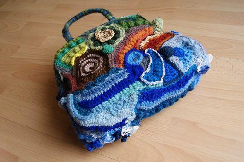 Freeform crochet bag base close up web